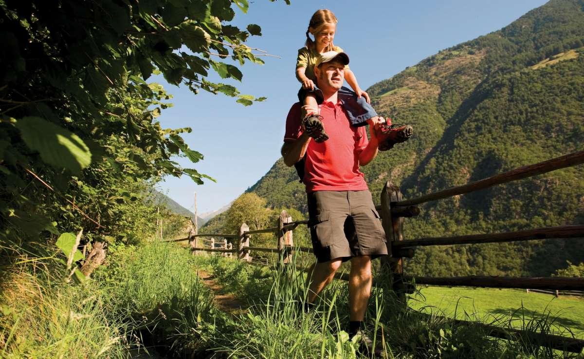 La région offre des sentiers de randonnée pour tous les niveaux de difficulté - ici dans le Val Venosta