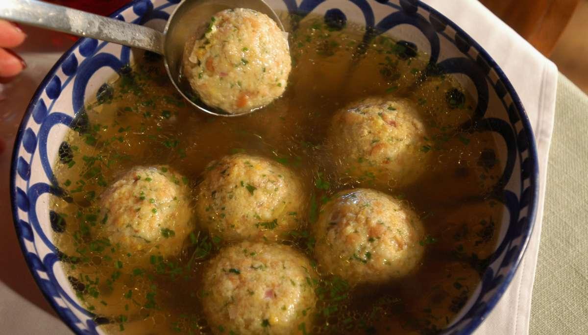 La typique soupe de canederli