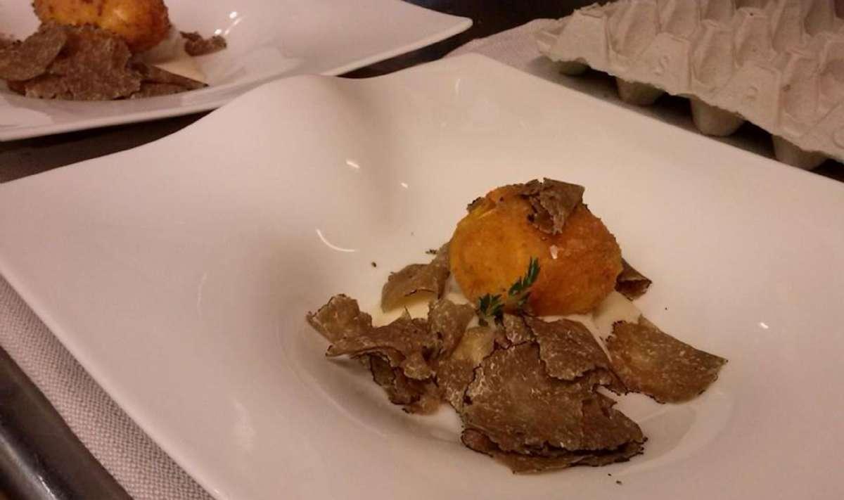 Uovo fritto al tartufo fra Locanda 800