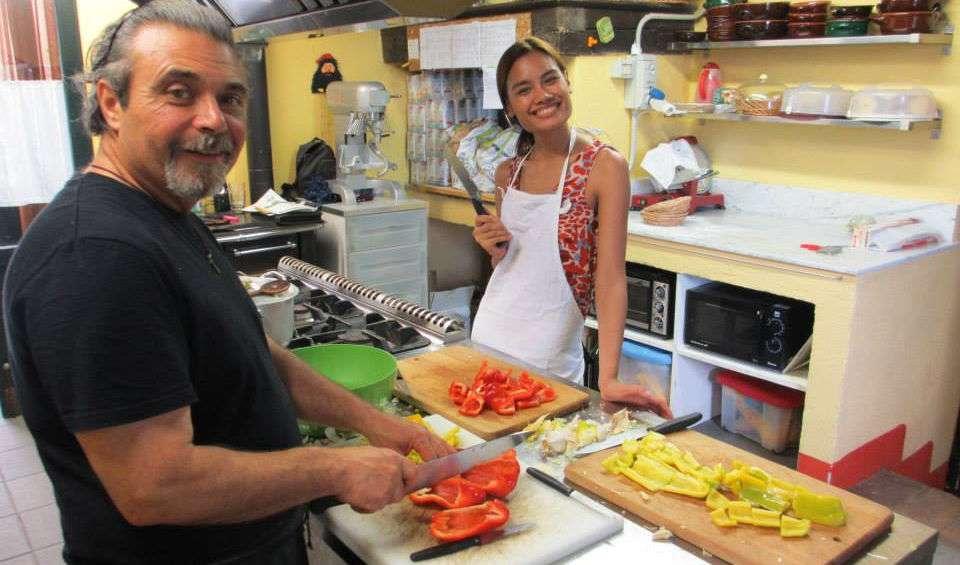 Ude i køkkent på La Torraccia di Chiusi