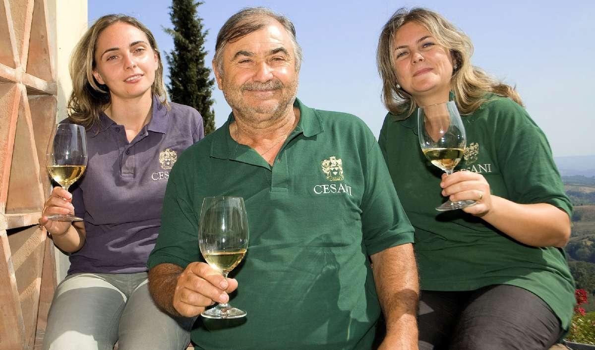 Vinbønderne fra familien Cesani midt i Toscana