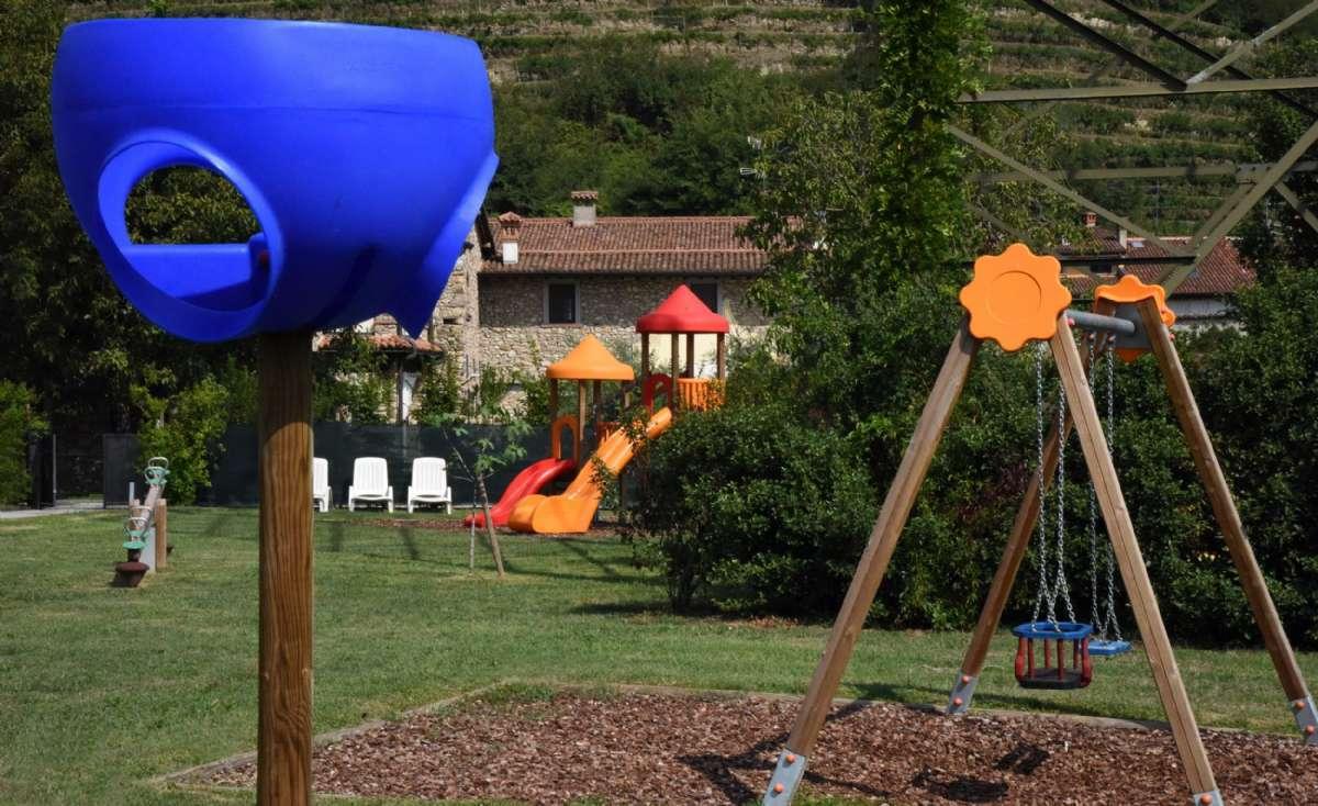 Spielplatz - für unsere Kleinen Gäste zum Austoben