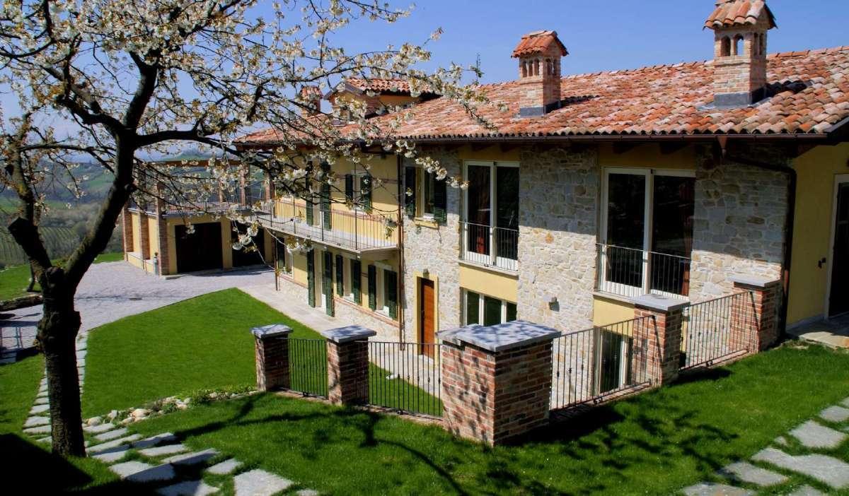 Ta på semester till en Agriturismo i Piemonte - här Residence Bricco Torricella