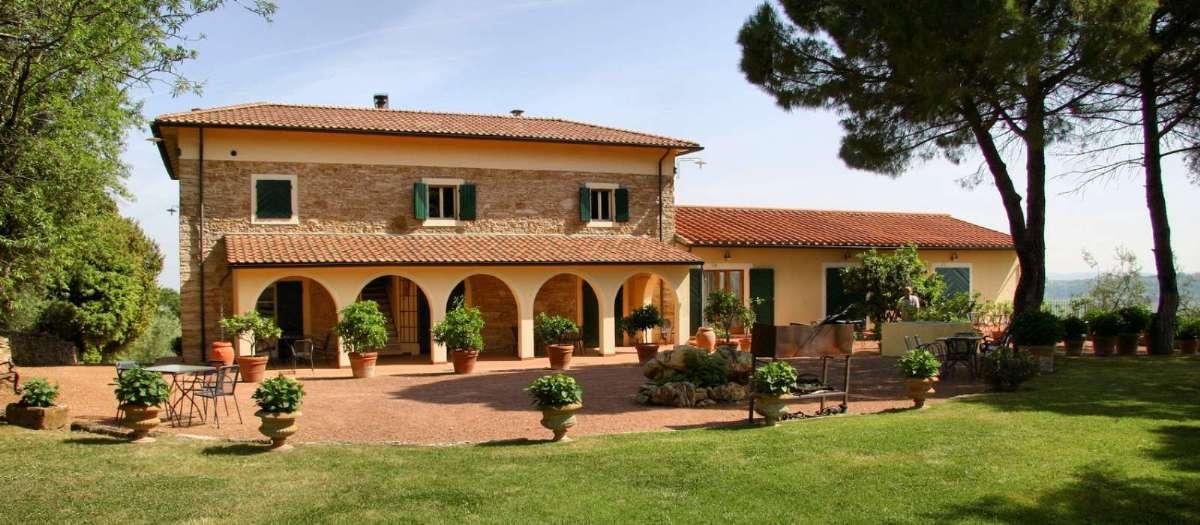 Tag på en dejlig vingårdsferie ved Lucca - tag på Agriturismo med In Italia.
