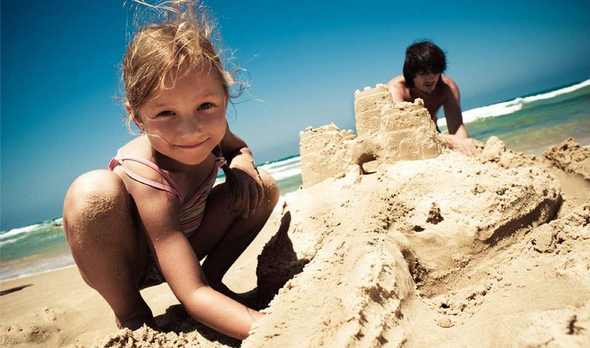 Vacances en famille sur les plages d'Italie