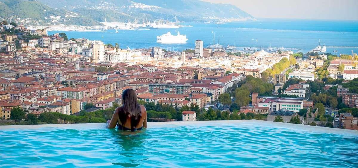 Härligheterna står i kö på agriturismo i Ligurien - här Golfo Dei Poeti vid La Spezia
