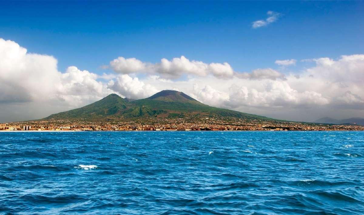 Vesuv er næsten 1300 meter højt