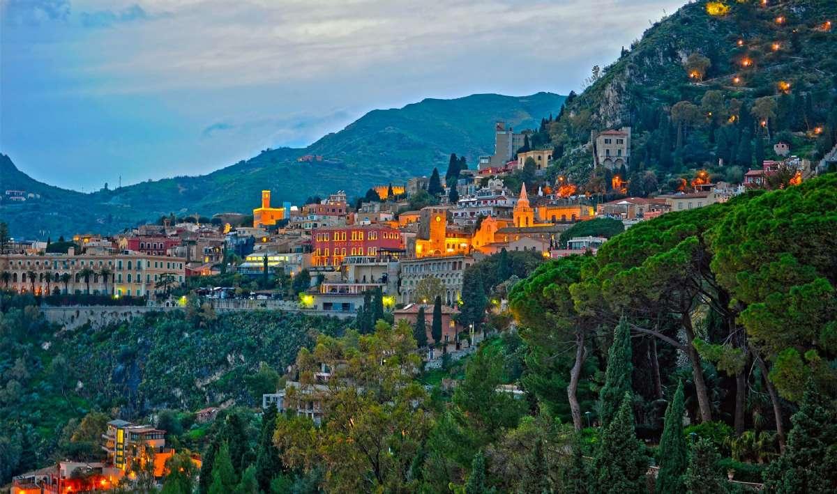 Taormina i skymning