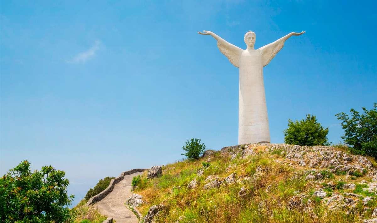Statue af Jesus over Maratea