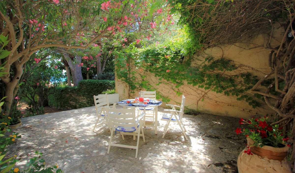 Privat have til lejligheden Elisa 1