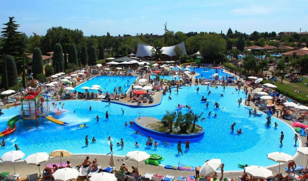 Adgang til pool/legeområde 300 meter fra hotellet