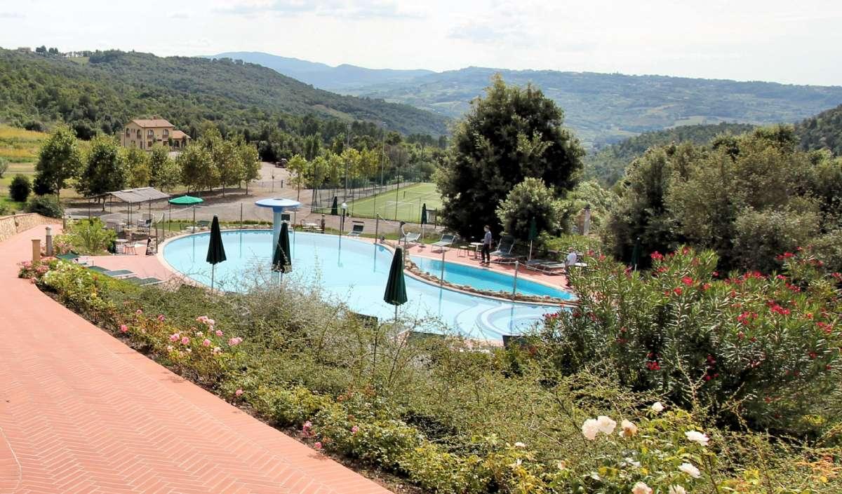 La Casina di Caccia set fra poolområdet