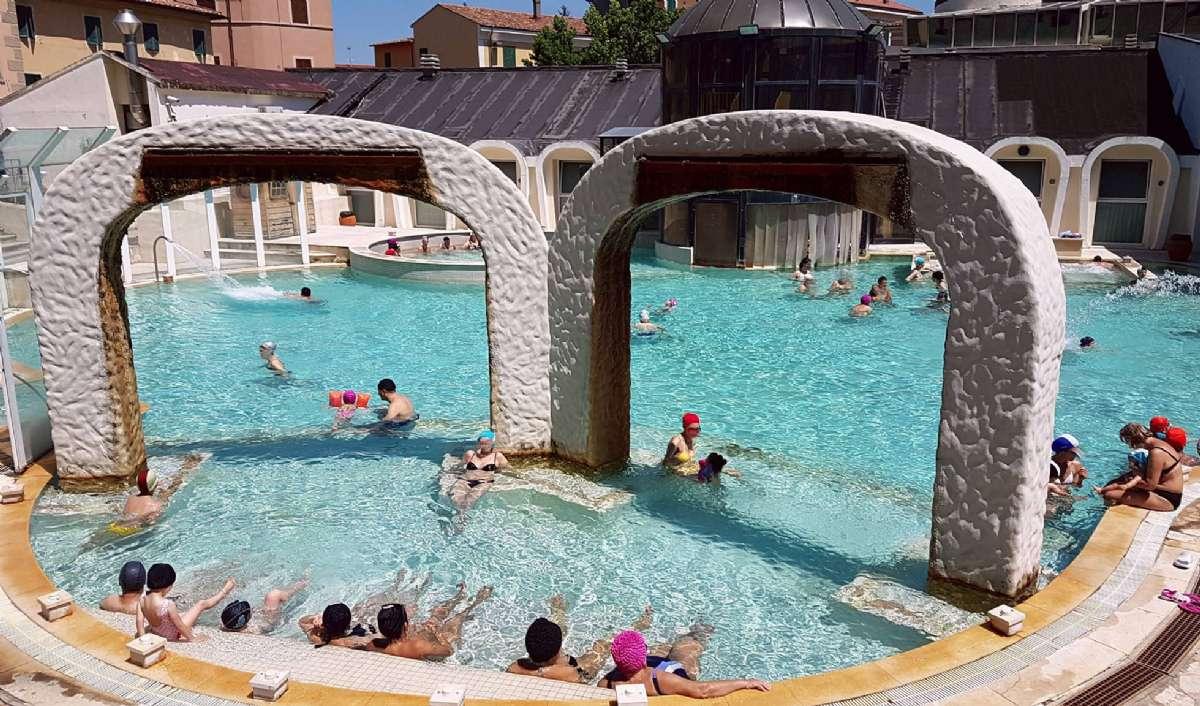 Njut av varmt kurbad på Terme di Casciana