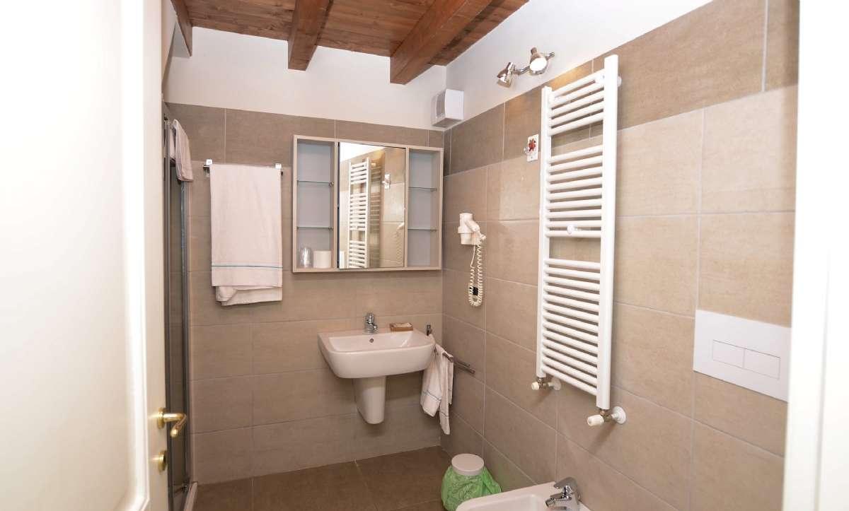 Eksempel på badeværelse i en af lejlighederne