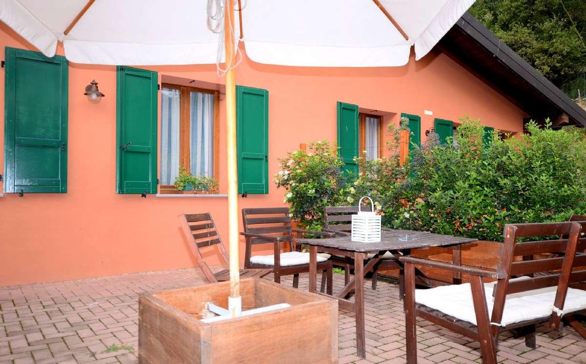 En af terrasserne til lejlighederne