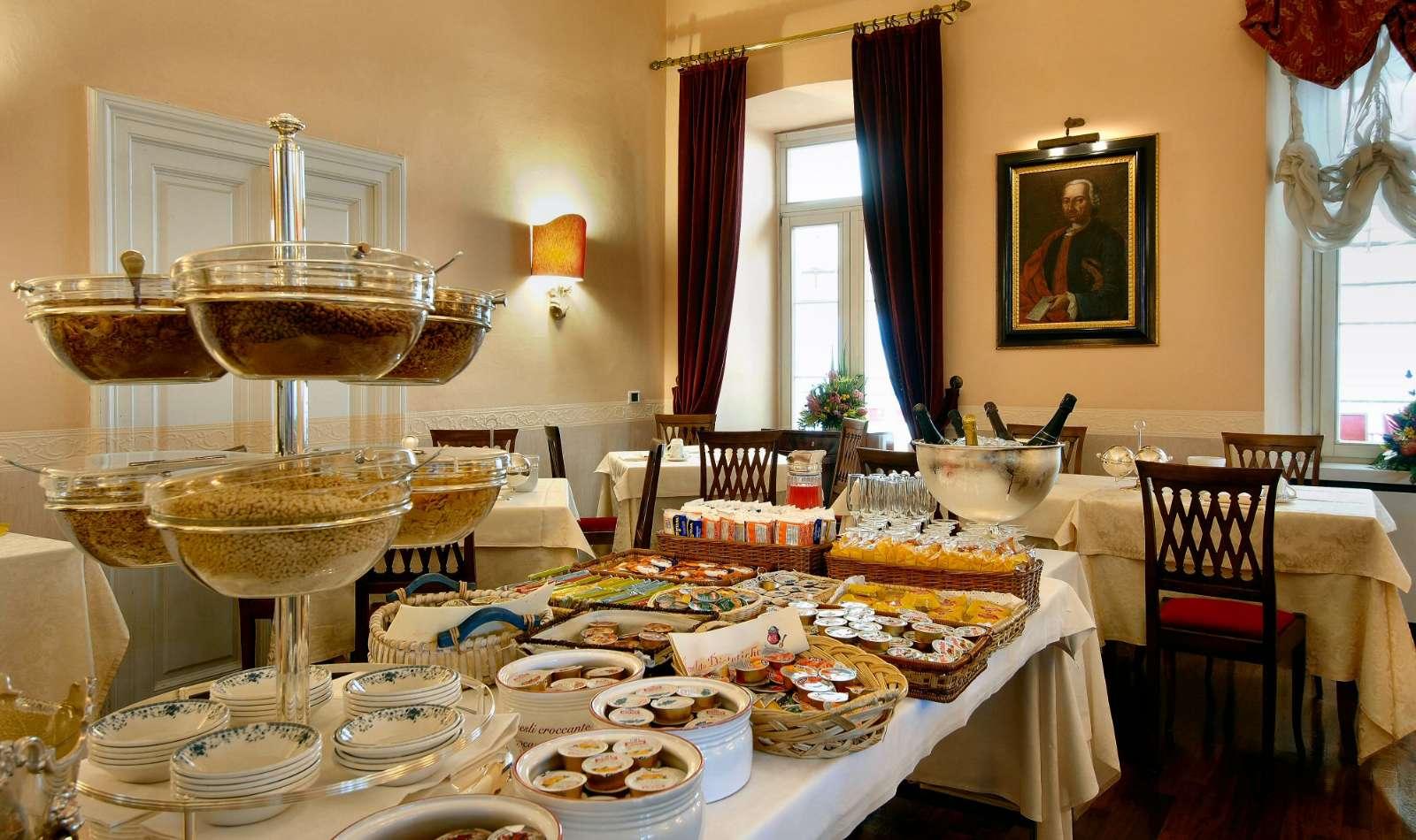 Den rige morgenmadsbuffet