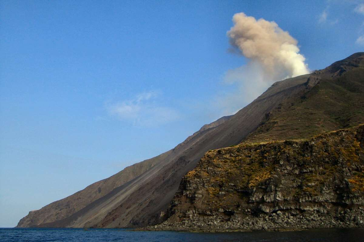 Et af Strombolis hyppige udbrud