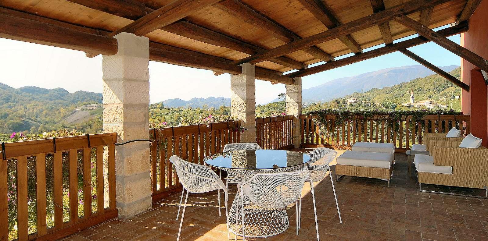 Blick von der Terrasse von der Wohnung Duca di Dolle