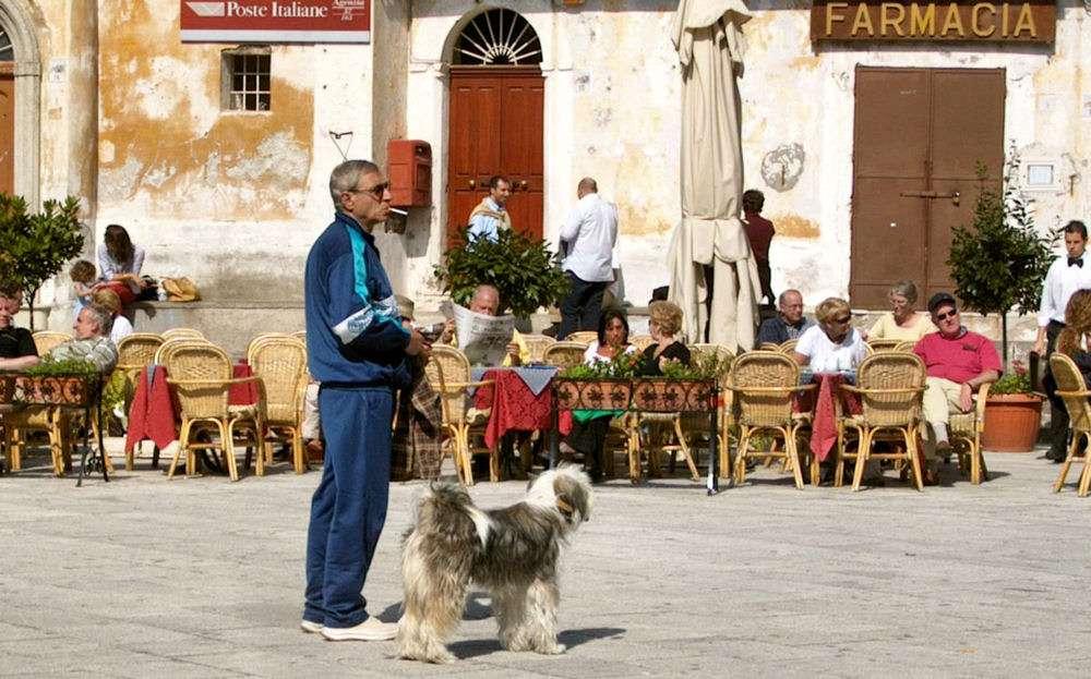 Stämning på torget i Ravello