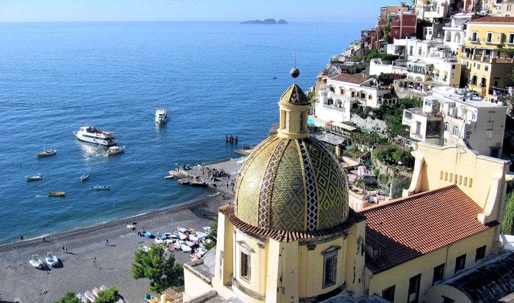 Kirkekuppel i Positano