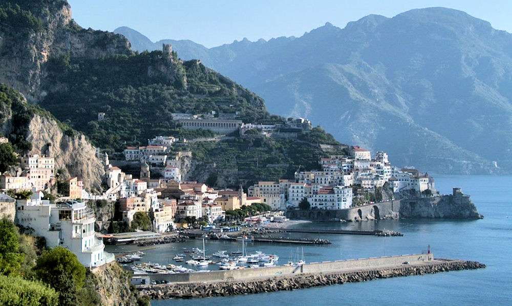 Smuk natur og hyggelige byer på Amalfikysten