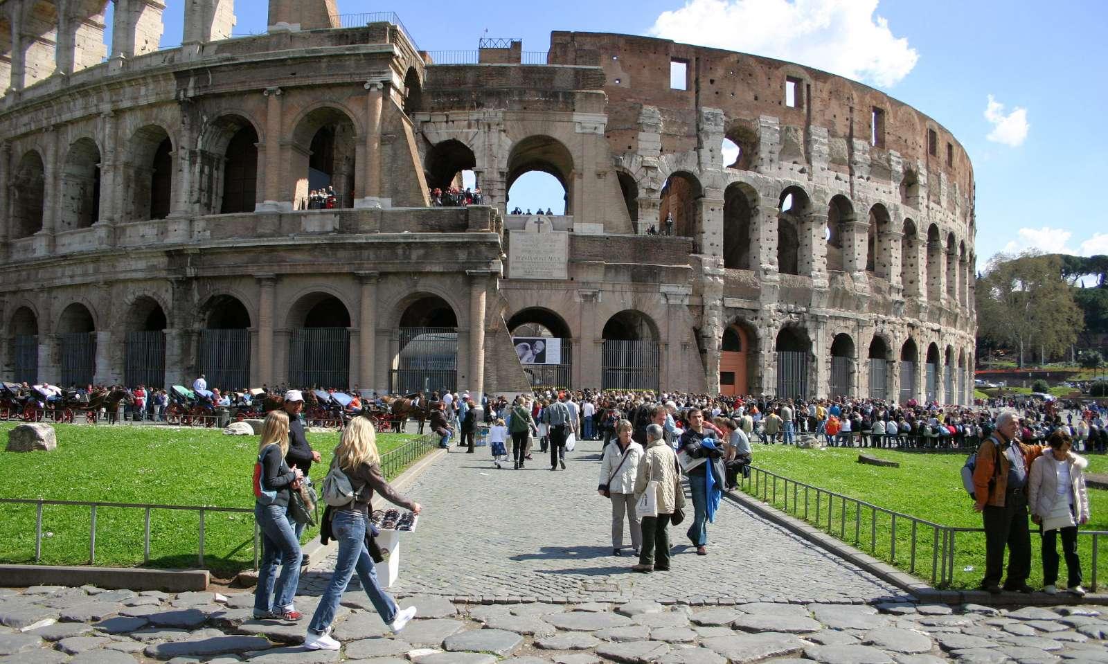 Framför Colosseum