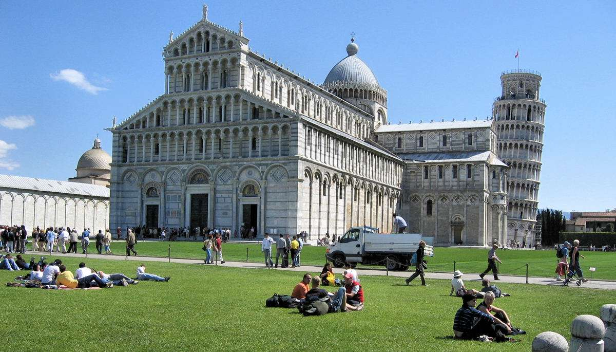 Campo dei Miracoli i Pisa