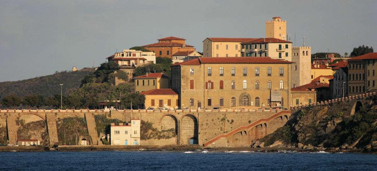 Hamnstad på Elba