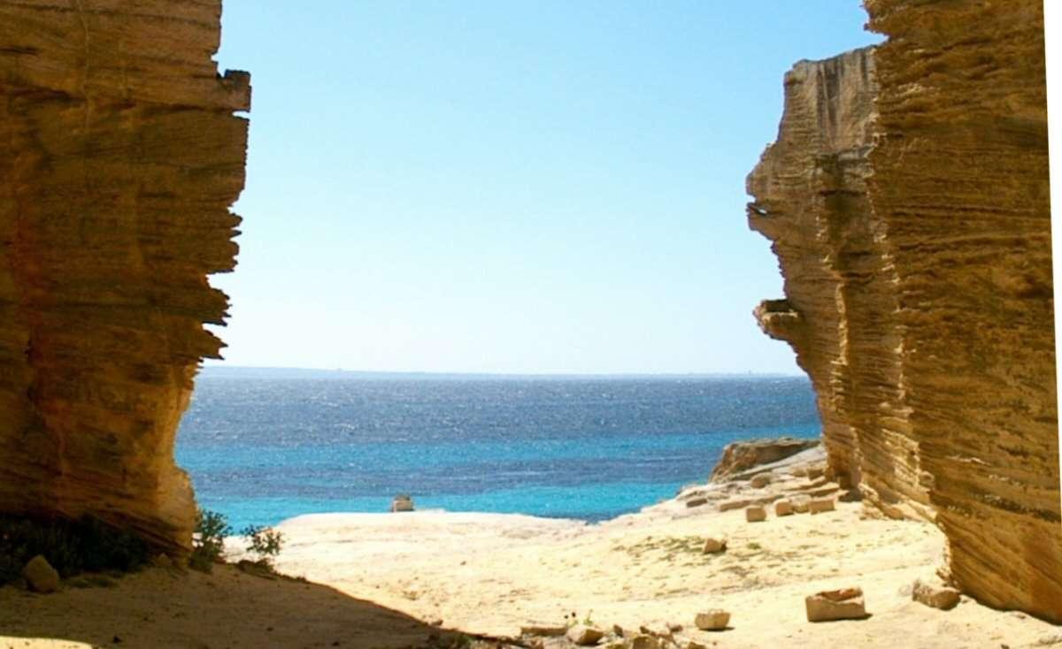 Havet och klipporna