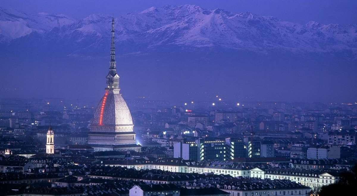 Torino med de majestætiske Alper i baggrunden
