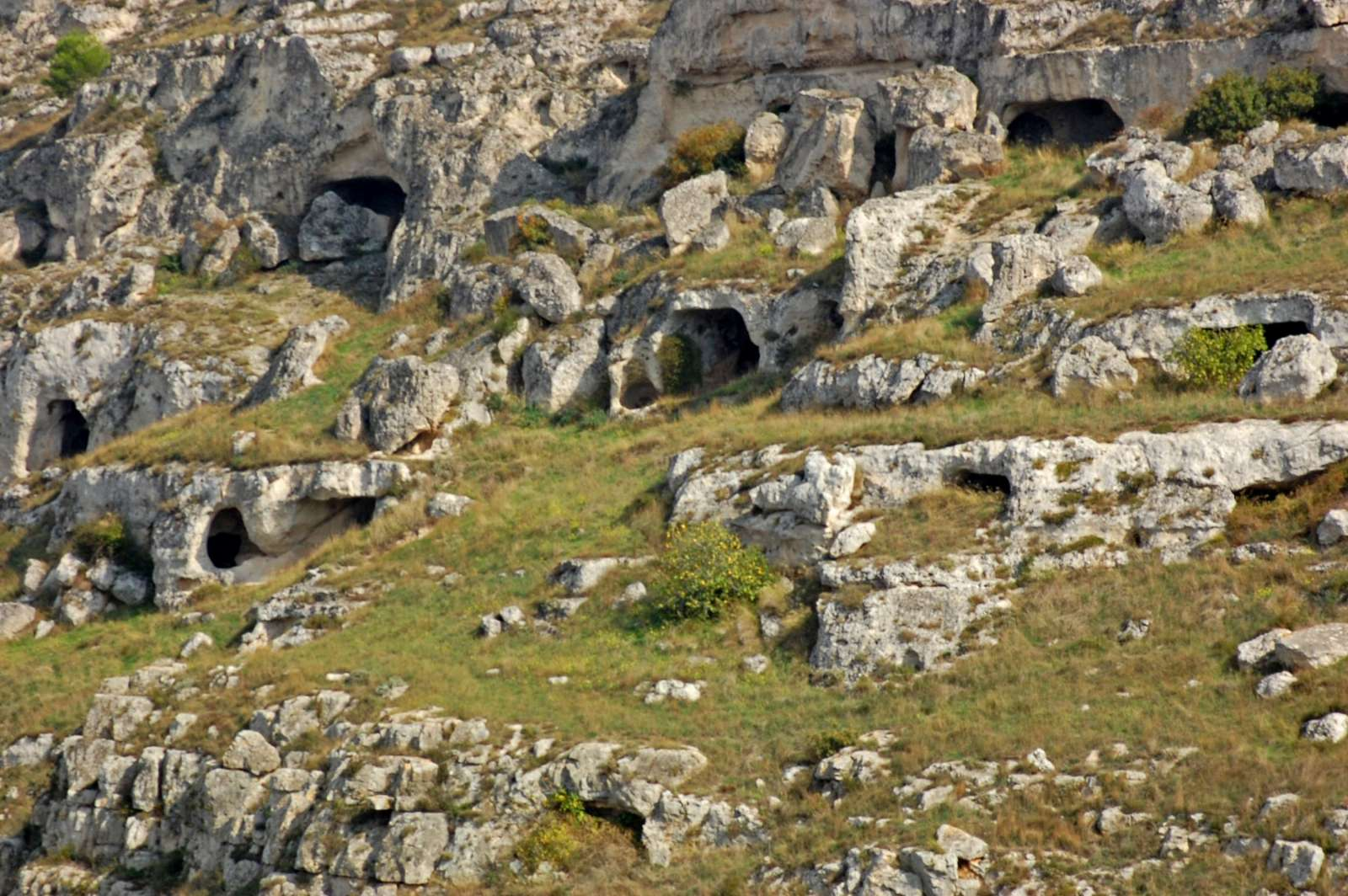 Materas grottor