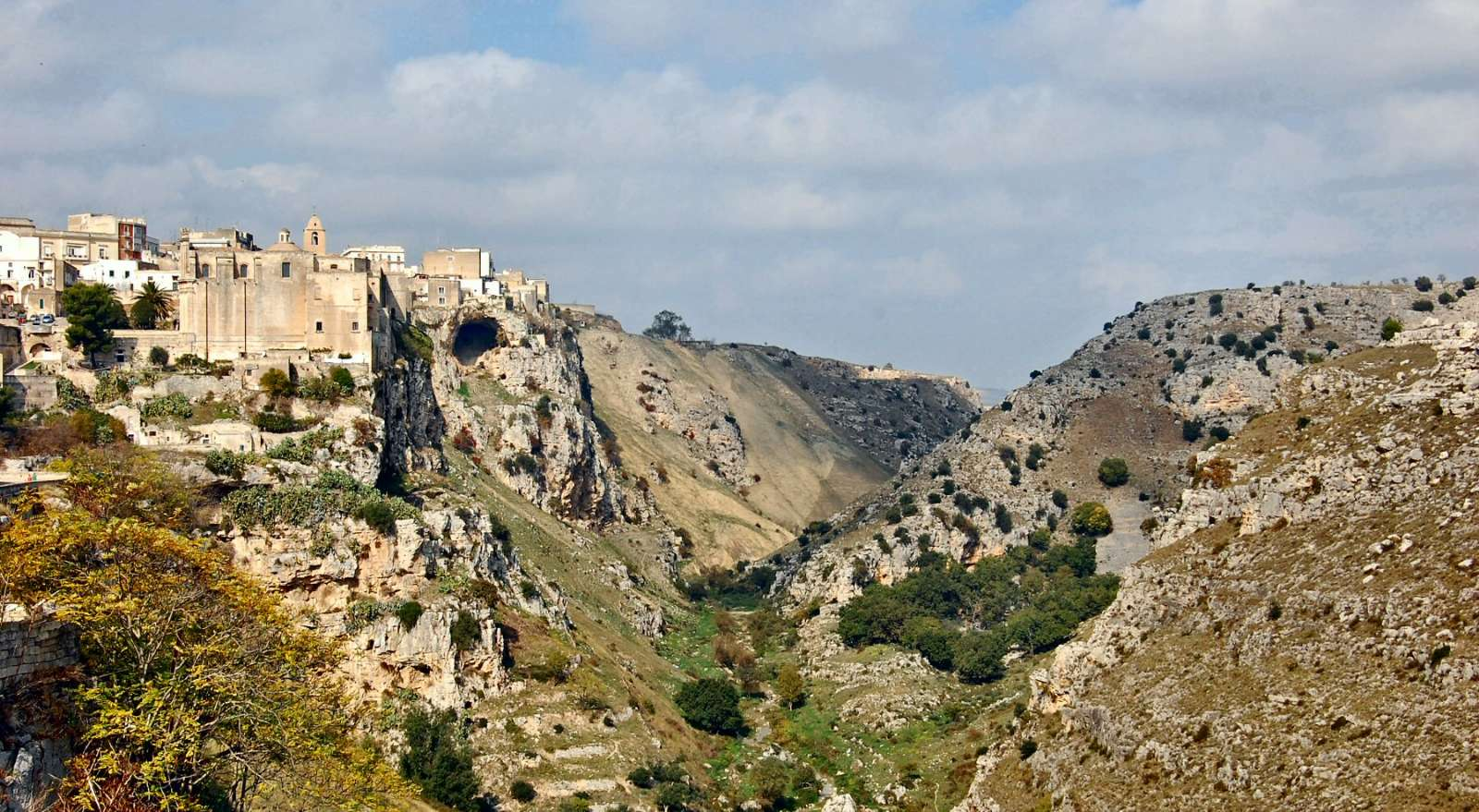 Le ravin de Gravina et les églises rupestres