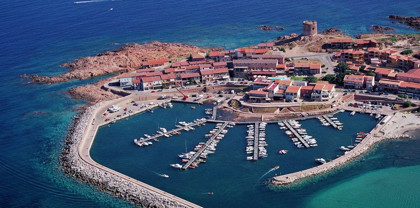 Badorten Isola Rossa på norra Sardinien
