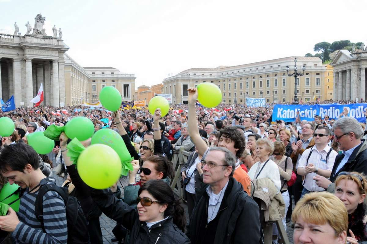 Fodboldstemning ved Pavens søndagsbøn