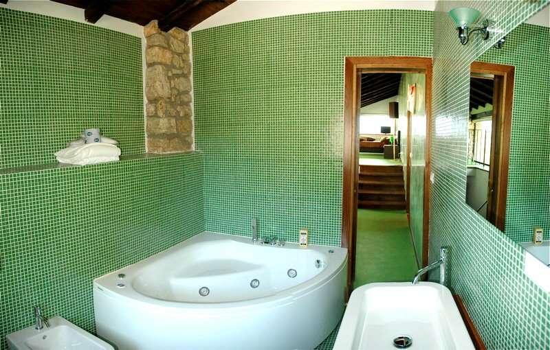Das Badezimmer aus der Suite Prato