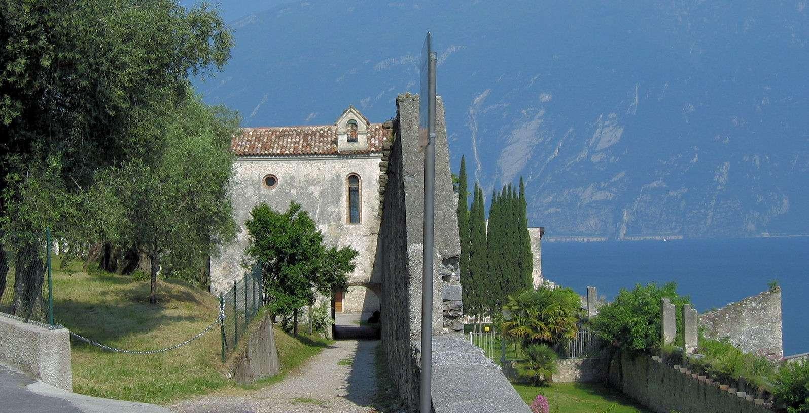 Kyrkogården vid Limone sul Garda