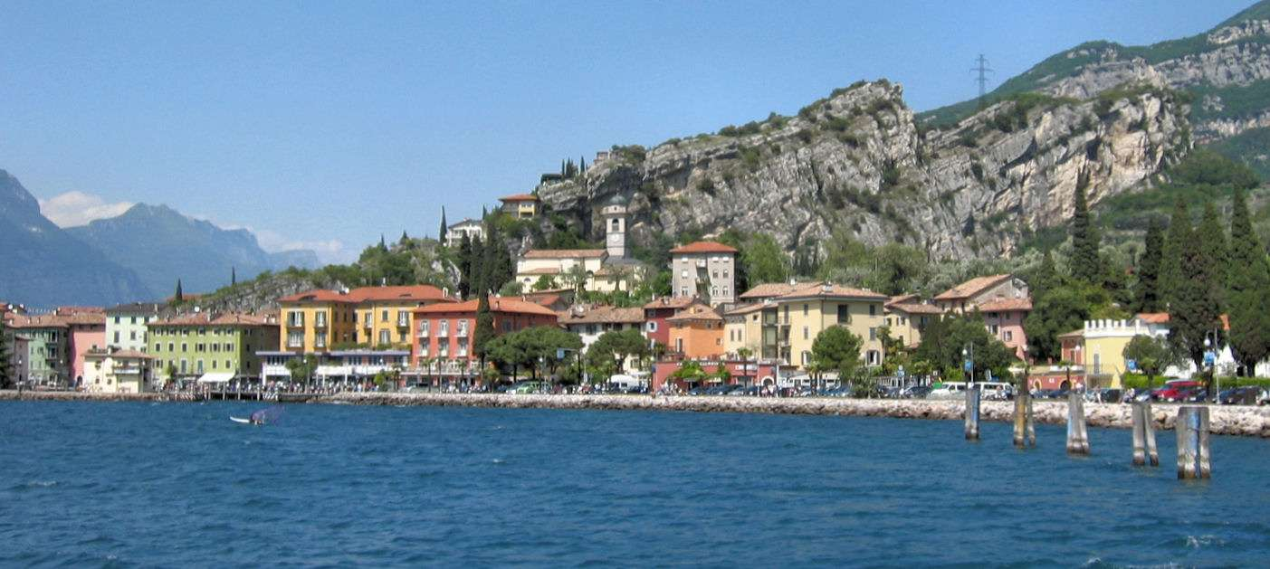 Riva del Garda på norra spetsen av Gardasjön