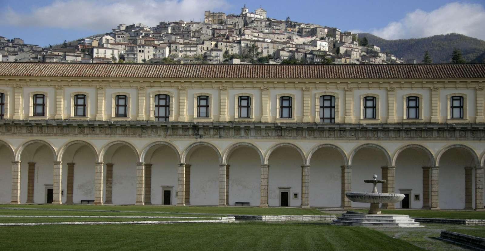 Padula set fra Certosa di San Lorenzo