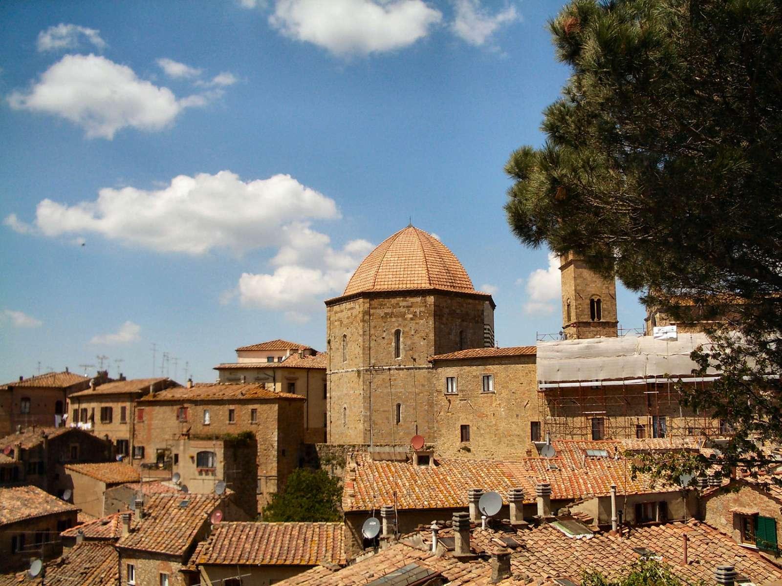 Dåbskapellet i Volterra
