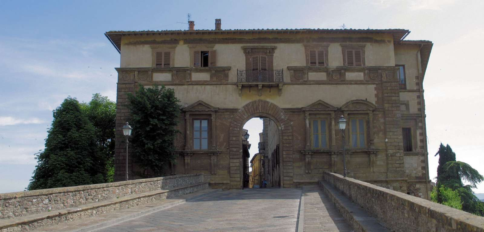 Palazzo Campana i den övre stadsdelen