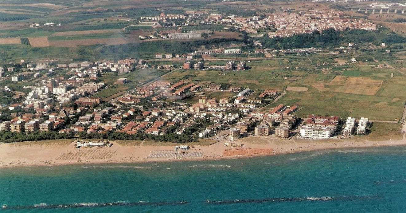 Campomarino aus der Luft gesehen