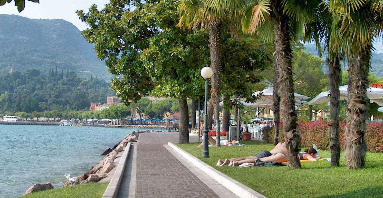 Sjöpromenaden i Garda stad