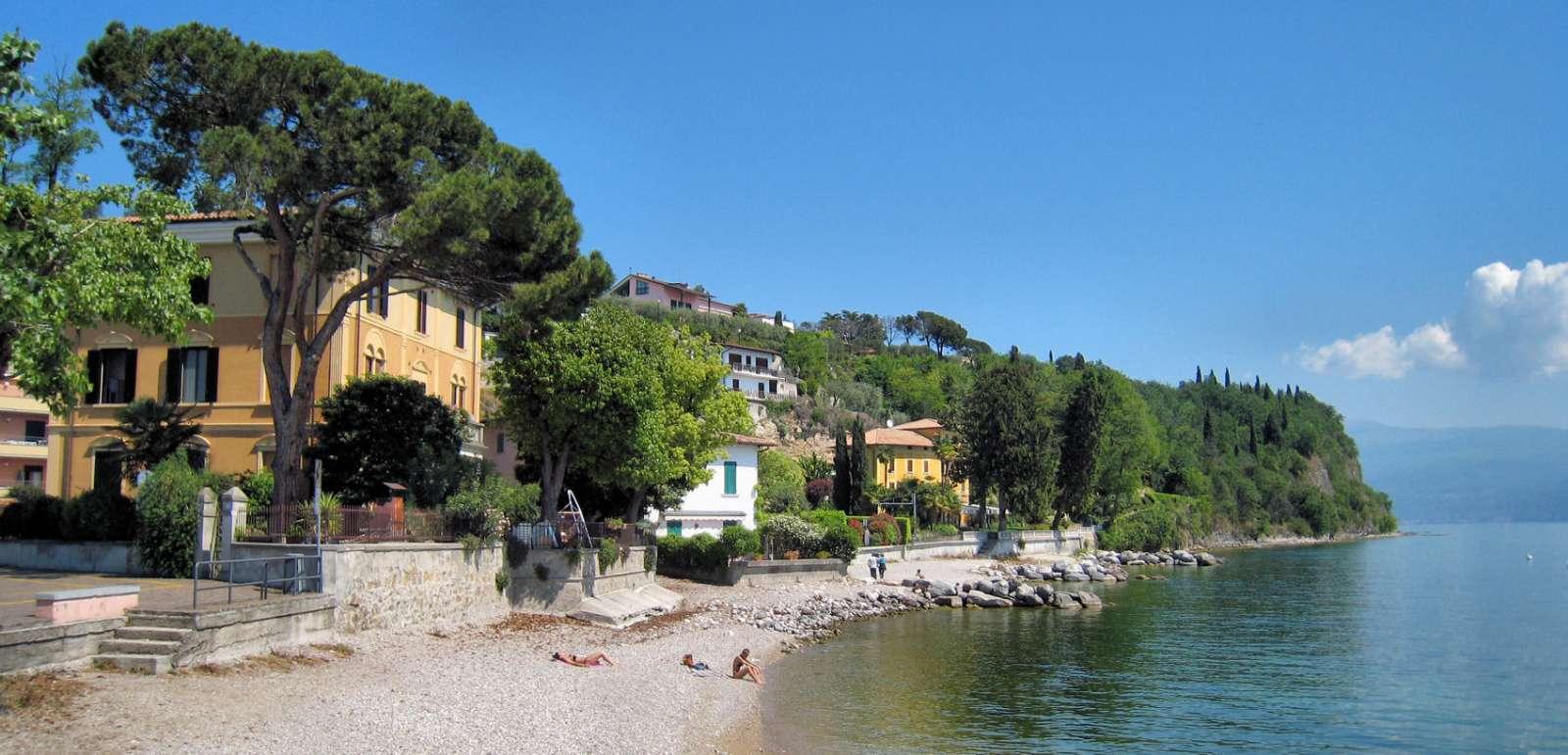 Gardone Riviera på Gardasjöns västra bredd