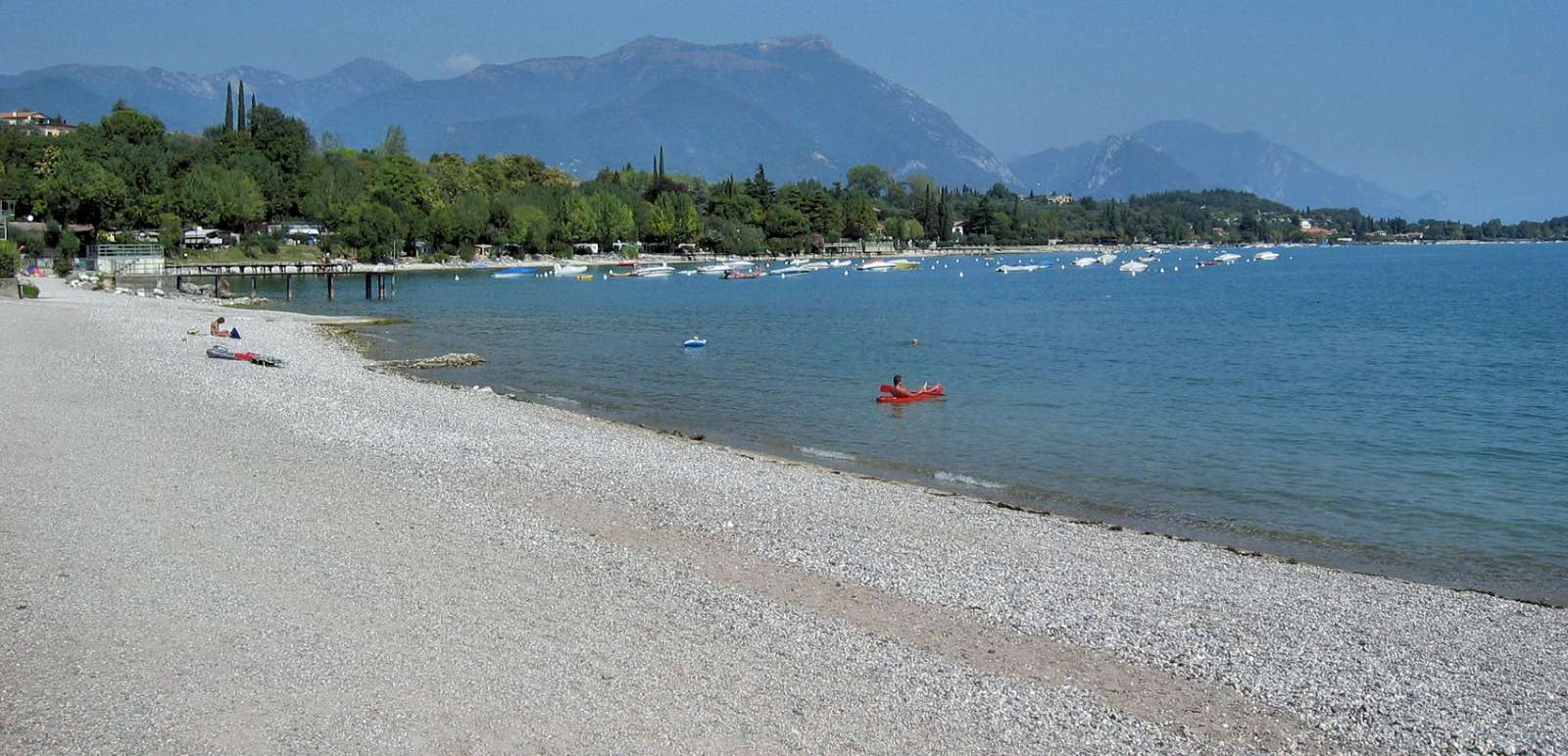 Strand ved Malcesine ved Gardasøen