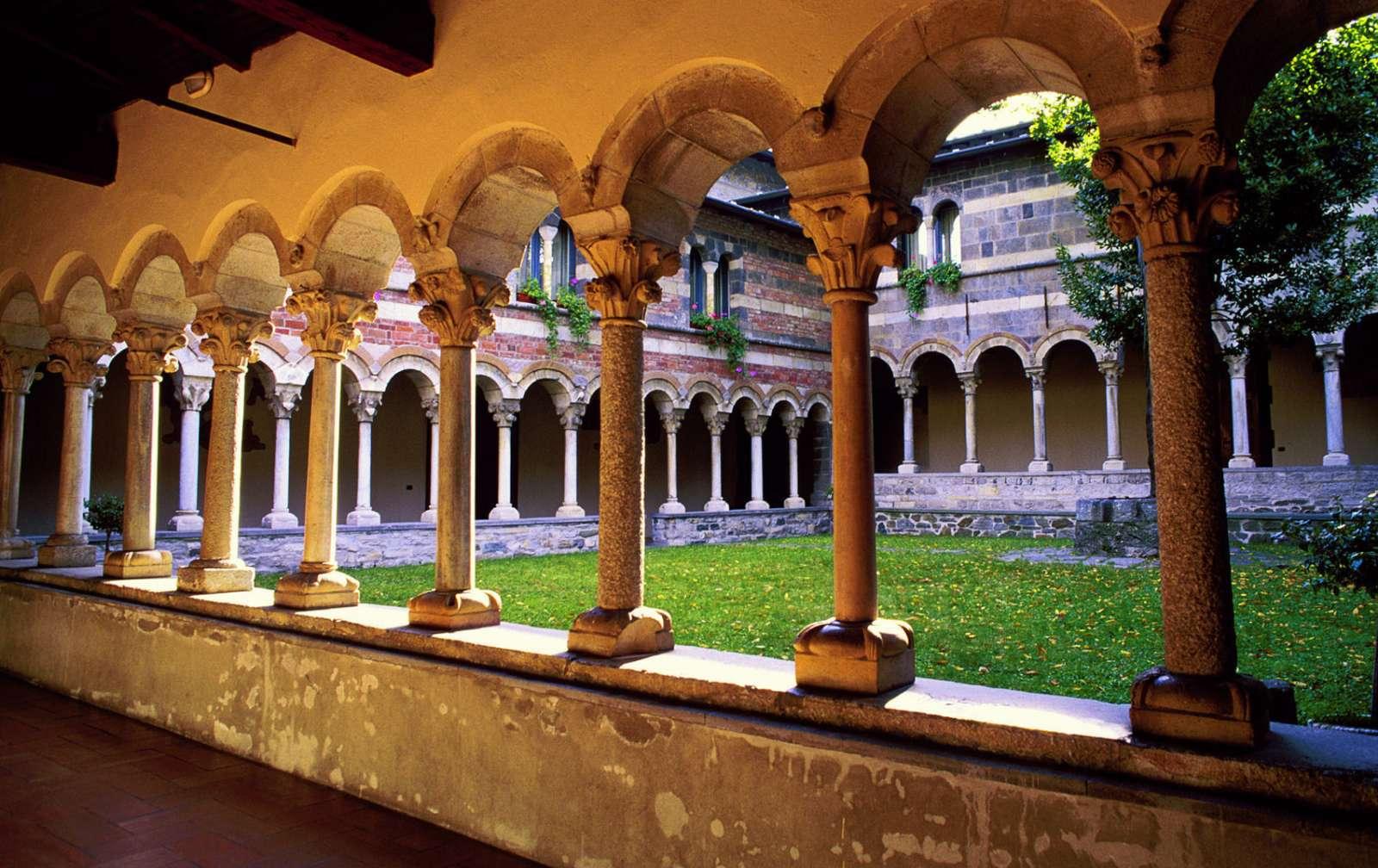 Smuk klostergård