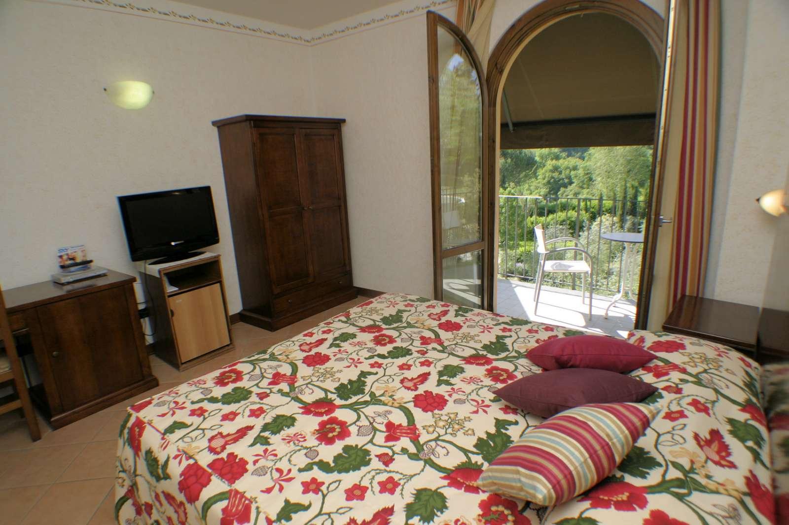 Rum på 2:a våningen med balkong