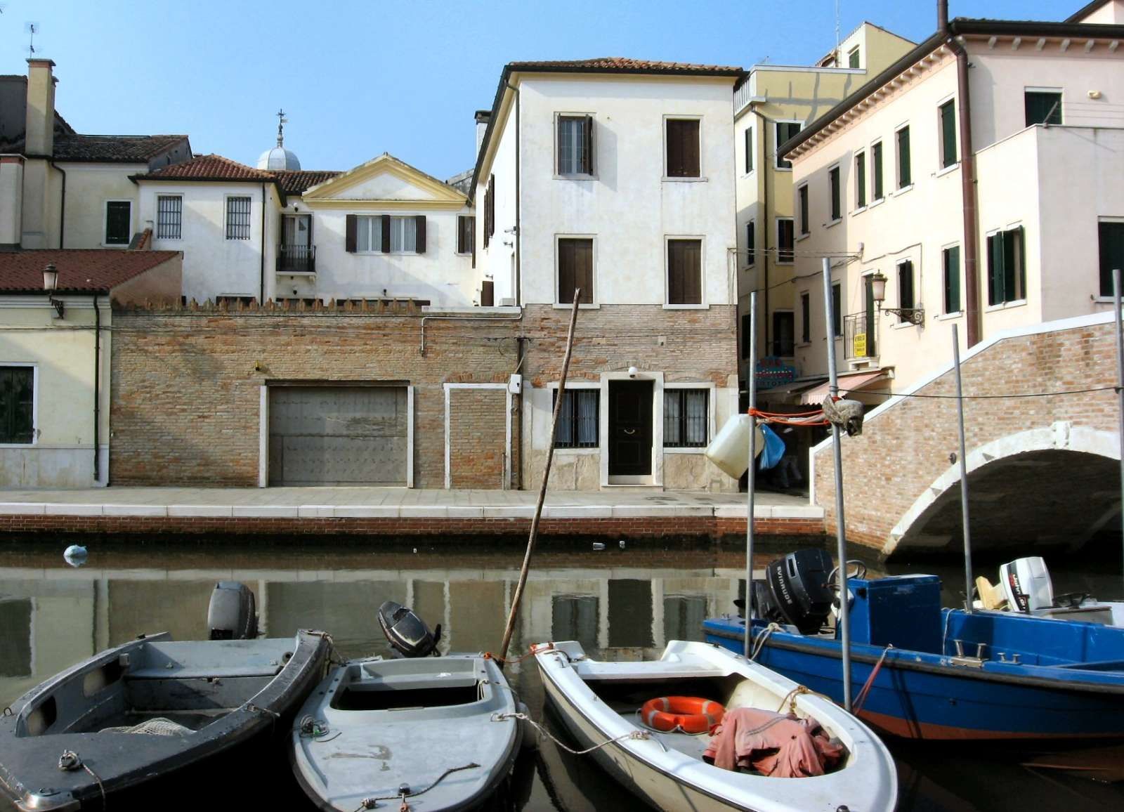 B&B Casa Carlo Goldoni in der Mitte des Bildes (schwarze Tür)