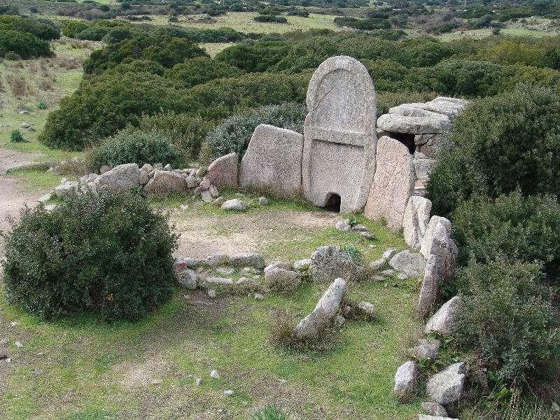 Giganternes grav ved Arzachena