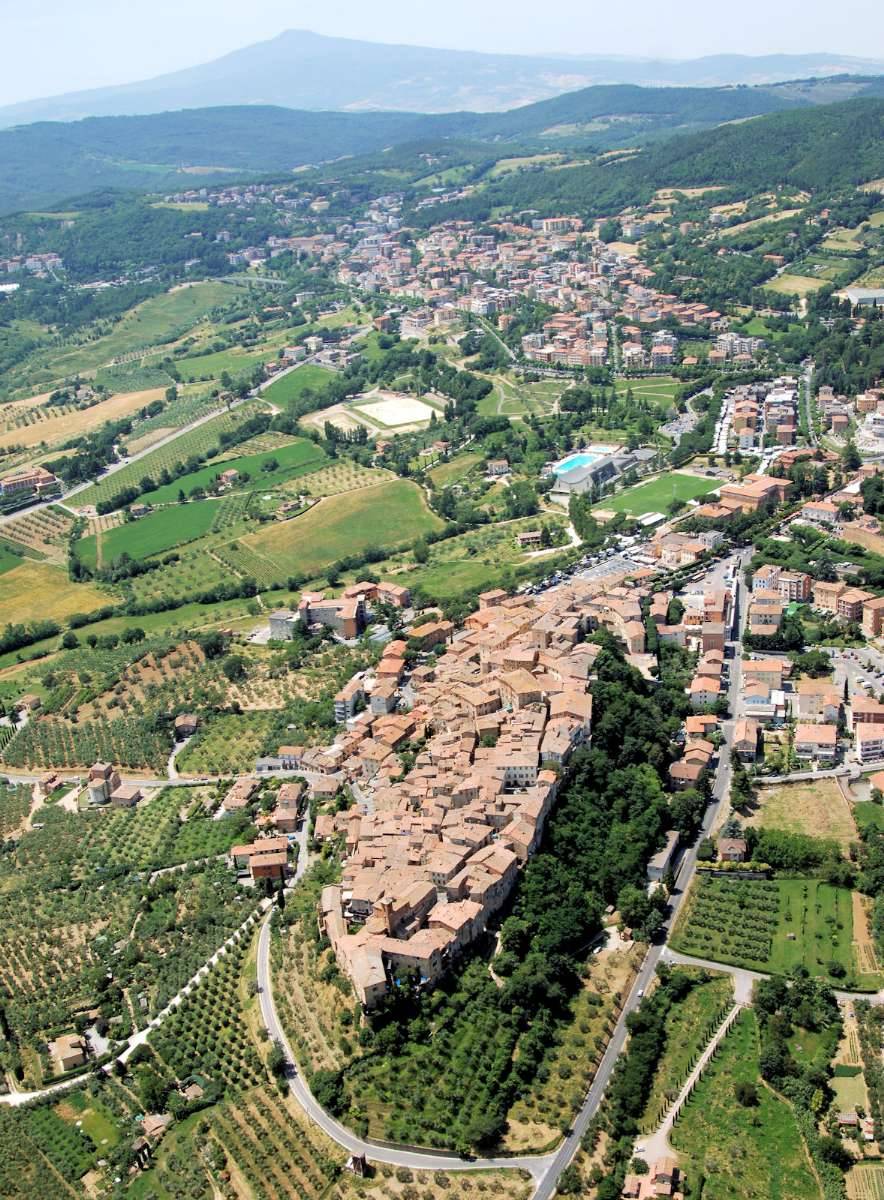 Chianciano Terme sett från luften