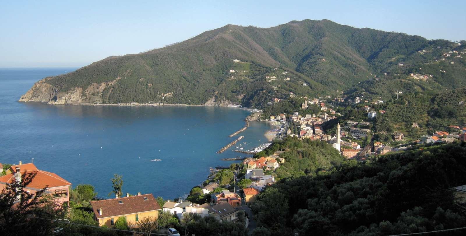 Utsikt mot Moneglia från Lemeglio